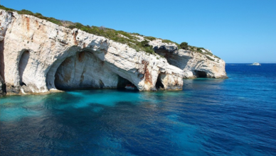 Extraordinary Caves Beach Photos That Will Make You Travel and Explore This Right Now - Shipwreck Beach, Greece