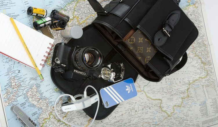 5 Travel Gears and Gadgets You Should Shop This Cyber Monday Sale