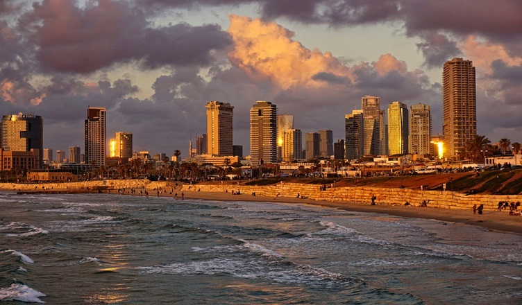 Most Popular Student Spots Worldwide 2018 - Tel Aviv Israel Sunset in Beach